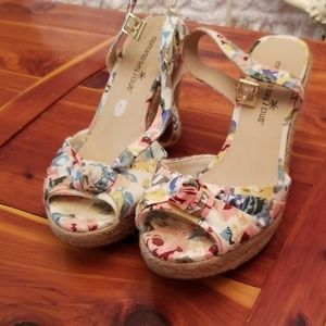 Flower patterned wedges!